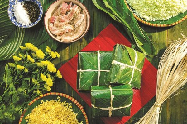 Banh Chung - Vietnamese Tet's Holiday TRADITIONAL CUISINE