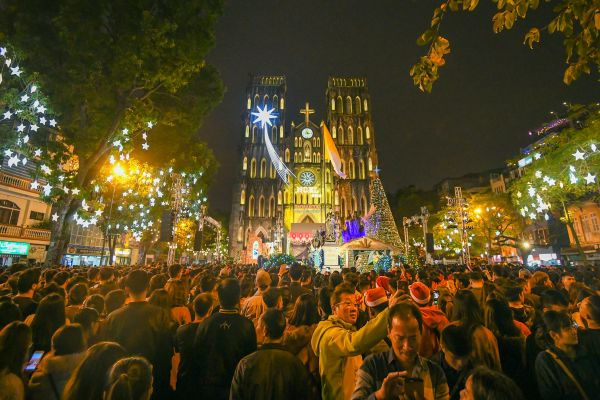 Celebrating Christmas - a new cultural practice in Vietnam
