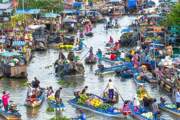 Experience at Nga Bay floating market - Hau Giang