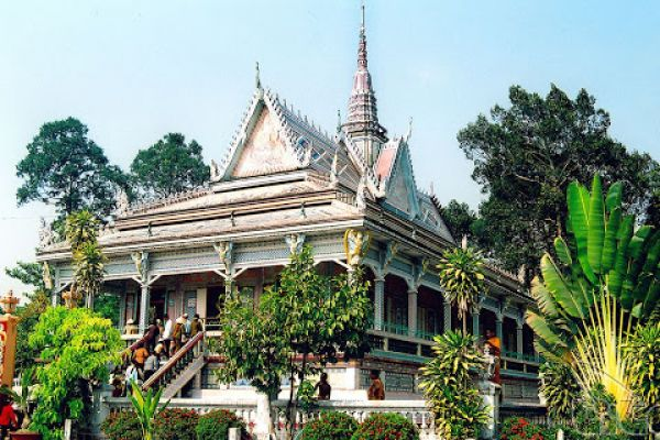 Soc Trang - Buddhist land and must-visited pagodas